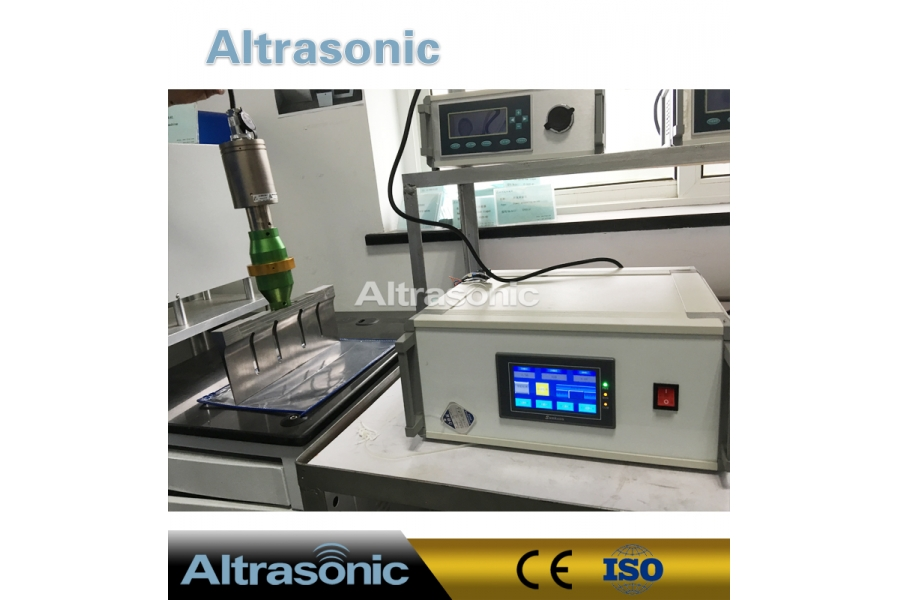 High Efficient Ultrasonic Cutting Device 20KHz 1000W for Food Slicer Multifunctional with Fast Speed