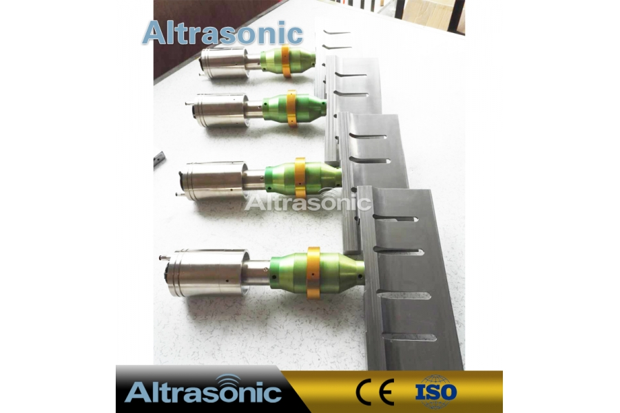 Ultrasonic Cheese Cutting Equipment with 305mm Titanium Blade for Clean and Accurate Slicing